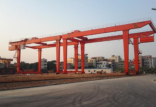 The Importance Of Using Gantry Cranes For Heavy Lifting