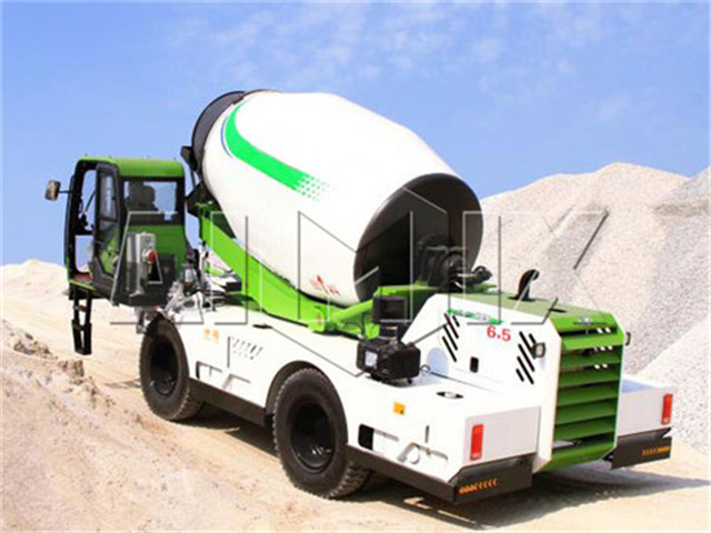 Self loading concrete mixer buy
